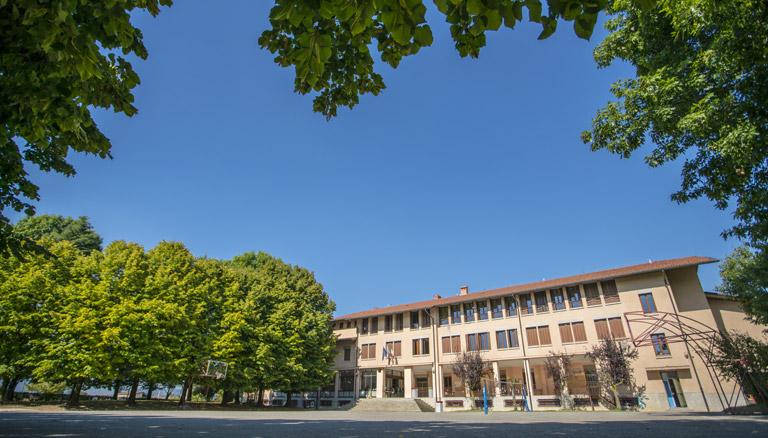 foto scuola e giardino