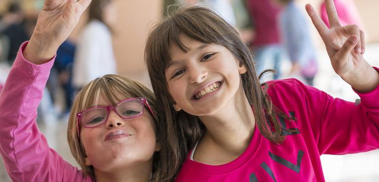 foto di bambine felici